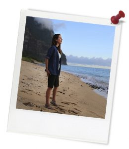 blue_jennifer_standing_on_beach_1q4a2174_photoframe